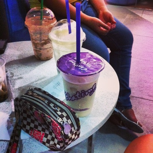 I should be sleeping, but I'm not :/ (at Chatime)