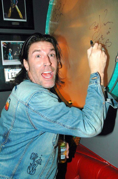 Sean Kinney of Alice in Chainscantrells:  i love this pic more than i should omfg