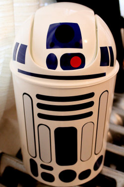 geekymerch:  (via R2D2 wastebasket star wars PREORDER by NightmareonCraftSt on Etsy)
