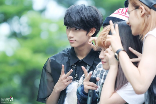 bethe1all4one:   130519 Inkigayo Fanmeet [© chansik-a]Do not edit.
