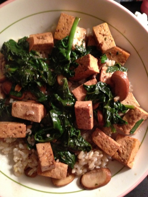 Tofu, mushrooms and spinach sautéed with garlic and balsamic vinegar over brown rice