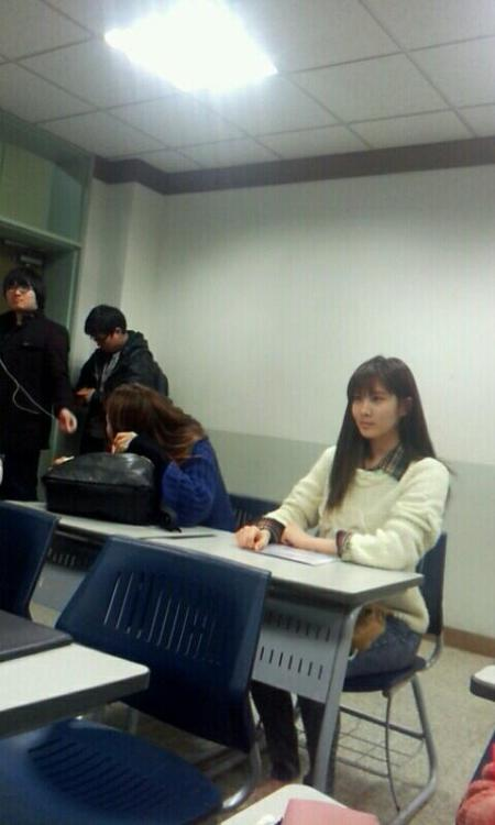 darkhand340:  Seohyun went to school today via @Real_Chichinhu