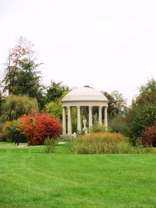 The Temple of Love at the Petit Trianon source: eszter on Flickr