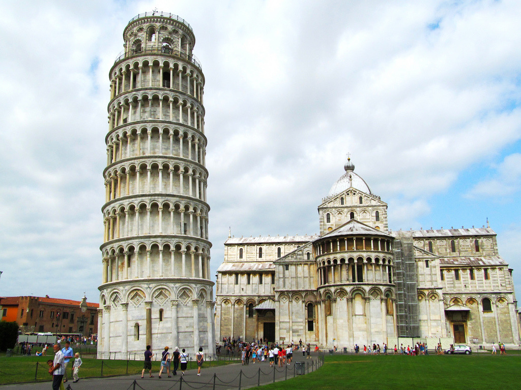 allthingseurope:  The Leaning Tower of Pisa, Italy (by Tata Olivia)