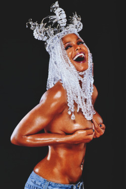 curly-essence:   Happy Birthday Ms.Jackson!  http://curly-essence.tumblr.com/