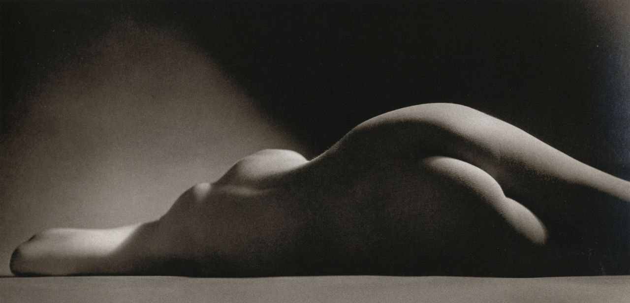 liquidnight:  Ruth Bernhard Sand Dune, 1967 From Ruth Bernhard: The Eternal Body