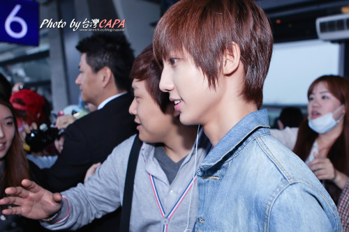 130420 Youngmin at Taoyuan Airport cr.台灣CAPA