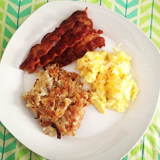 Good morning breakfast. #classic #cheeseyeggs #crispybacon #hashybrownz