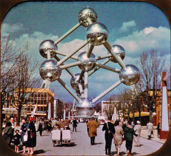 sugarmeows:  The Atomium