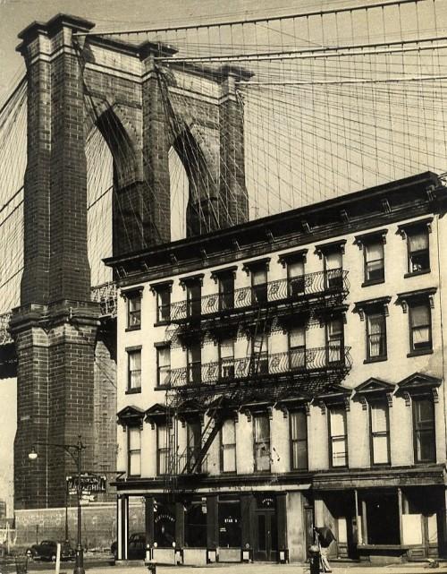 New York. Le pont de Brooklyn photo byHenry Elkan