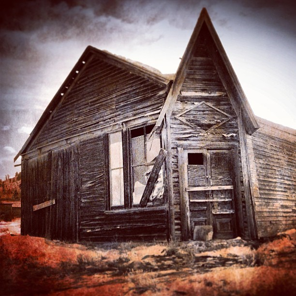 Welcome home. #home #abandonedplaces #abandoned #colorado #ghosttowns #photoland #iggers #photooftheday #iphoneonly #ontheroad #exploration #creepy #gloomy