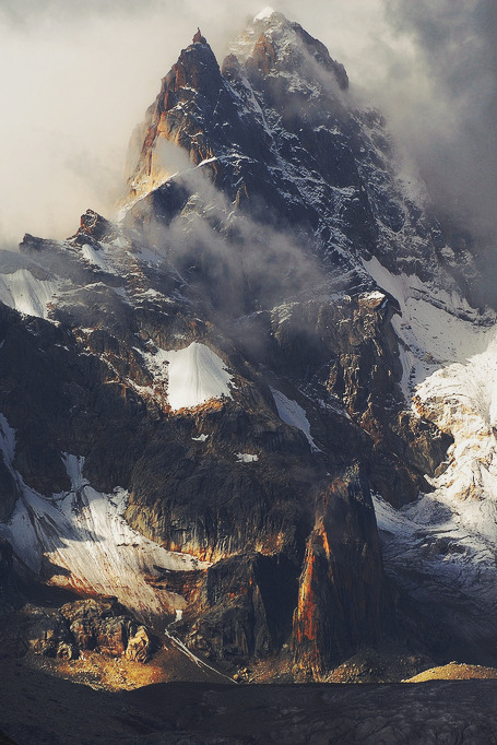 infinite-paradox:Mountainscape of the Rongme Ngatra | reurinkjan