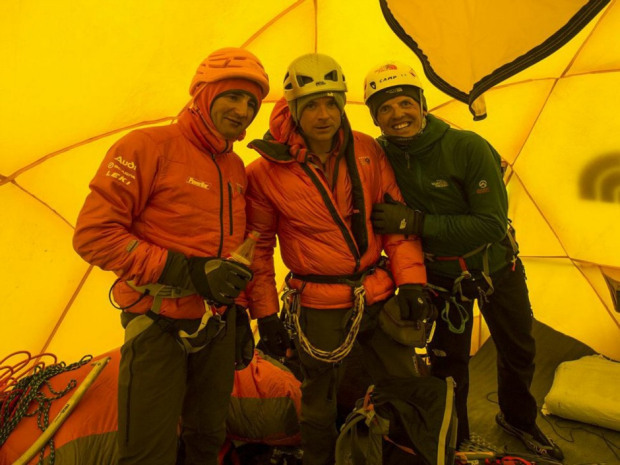 "'Luxury adventurers' blamed for angering Sherpas, causing giant Everest brawl at 24,000 feetSherpas who attacked three European climbers on Everest were angry at the disrespect shown by ""luxury adventurers"" who demand tea in their tent on the world's highest peak, a British member of the group has claimed.Jonathan Griffith, a British Alpine climber and photographer based in Chamonix, France, was one of three European mountaineers attacked on Saturday by up to 100 Sherpa guides who kicked and pelted them with rocks following a fight at 24,000 feet over right of way.The Sherpas claimed that the three mountaineers had ignored their request not to climb over their ropes until they had finished fixing the route for guided expedition groups. (Jonathan Griffith / AFP Photo)"