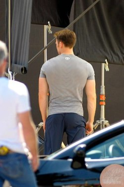 thewhitejerome:  yuliamua:  Lovely ass  For the Chris Evans fans that follow me. You're welcome!