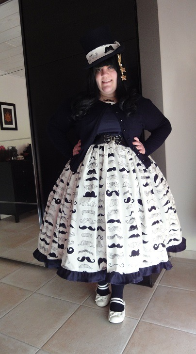 stoff-im-gehirn:  My new Moustache Dress! I fell in Love with this fabric.