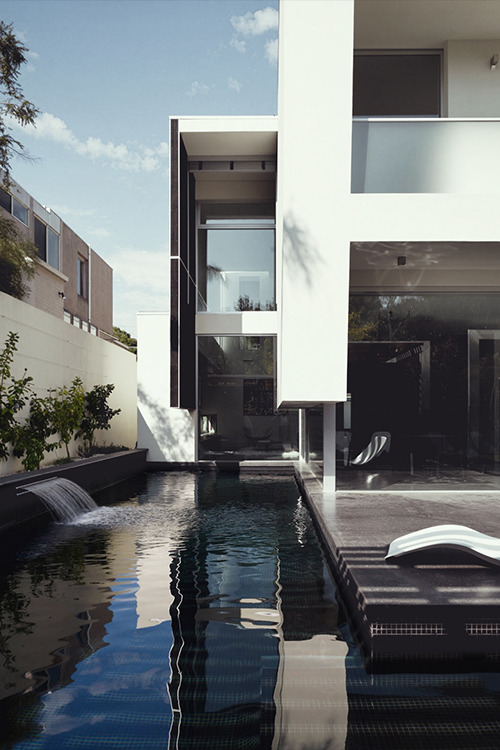 the-absolute-best-posts:  tiffxnyandco: auerr: Robinson Road House ╳ This post has been featured on a 1000notes.com blog.