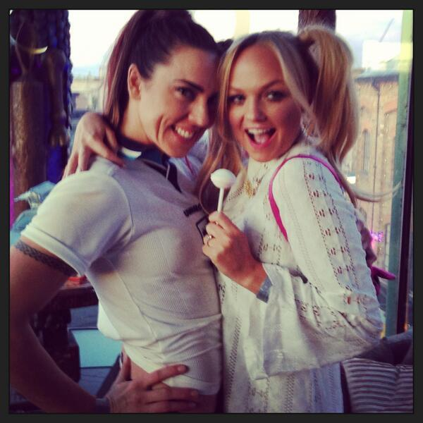 suicideblonde:  EmmaBunton: Baby and sporty are back!!!! Mel C and Emma dressed up as their former selves at a costume party last night OMG