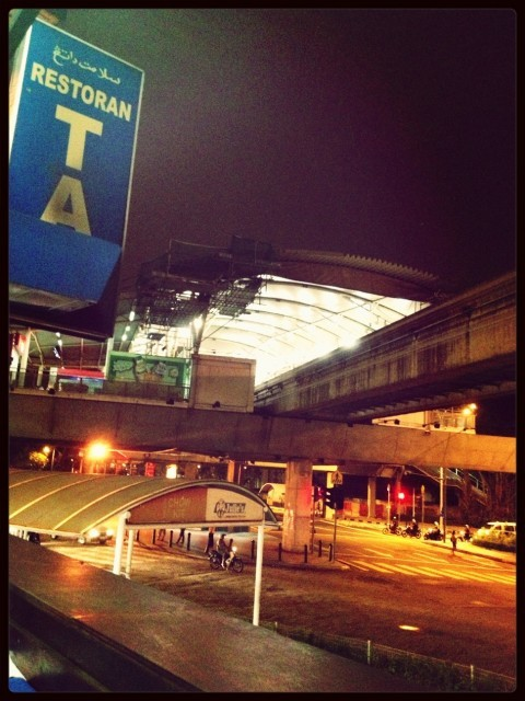Hanging out at RapidKL Chow Kit (MR10) Monorail Station by Poppyta Intan on EyeEm