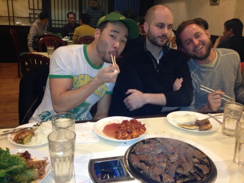 nailtipflips:  Urban family Korean BBQ Saturday dinner.  Just cuz urban fam Korean BBQ reunions + the husbie + Binx = always worth reblogging.