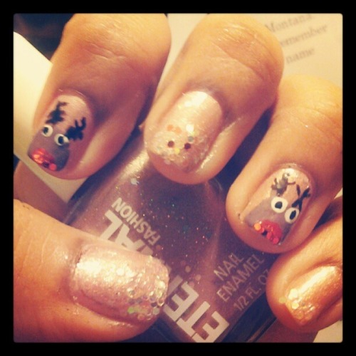 Nails Of The Day: NAILS OF THE DAYby From Our Readers  http://bit.ly/Te0FtK