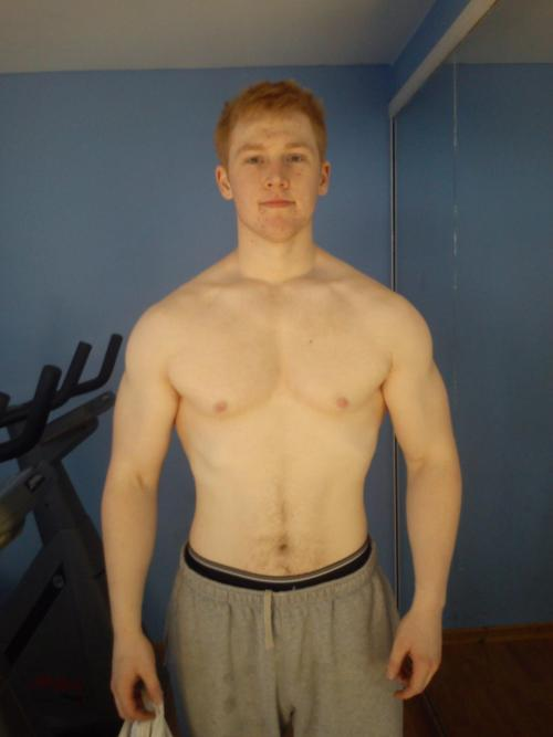 whoisyourpaddy:  beefybrothers:  THis is a followers friend that asked me to spread the work about him beefing up…Um guys sexy ginger…this is an auto re-blog!  I'm ok with that