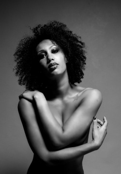 afroholic:  Model: Gioia Petersen  Photographer: Kevin van der Brug© 2012  Hair & make-up: Bonnie Rae for House of Hulsman