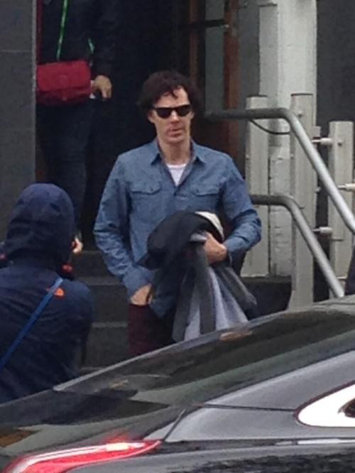 sherlock-addict:  OMG, Ben in this shirt… x