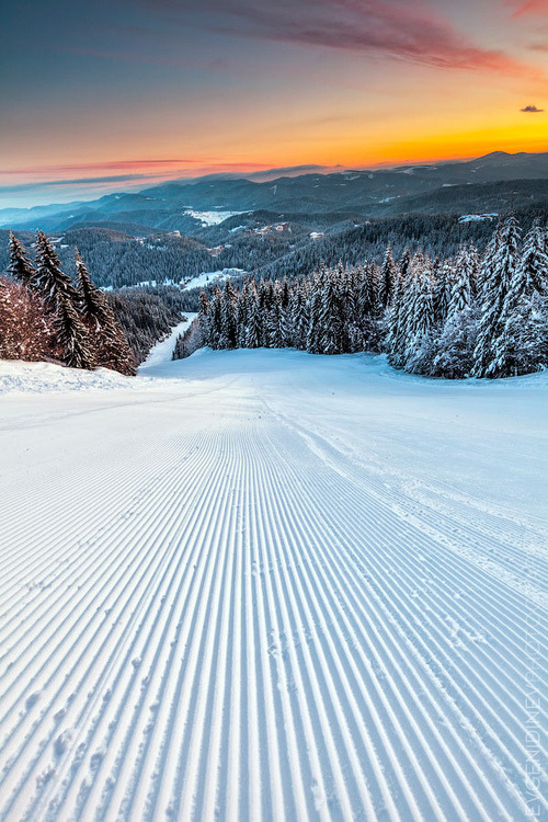 wanderlusteurope:  Black run ski slope, Pamporovo, Bulgaria