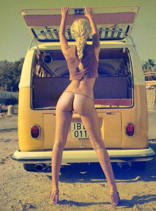 Reblog for the love of the VW Camper van!