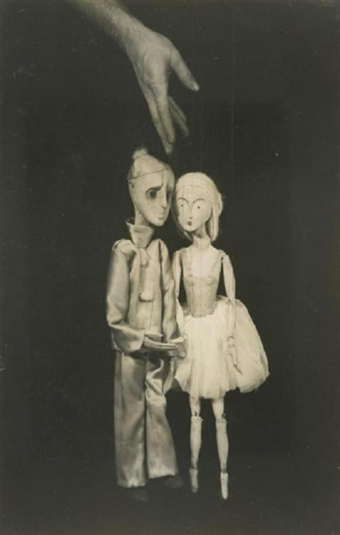 frenchtwist:  via regardintemporel:  André Kertész - Théâtre de Marionettes, Paris, 1929-1930