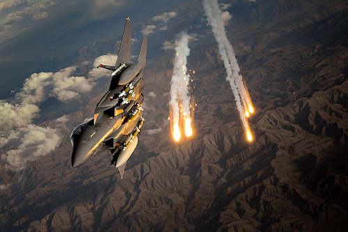 youareclearedhot-over:  F15-E Strike Eagle