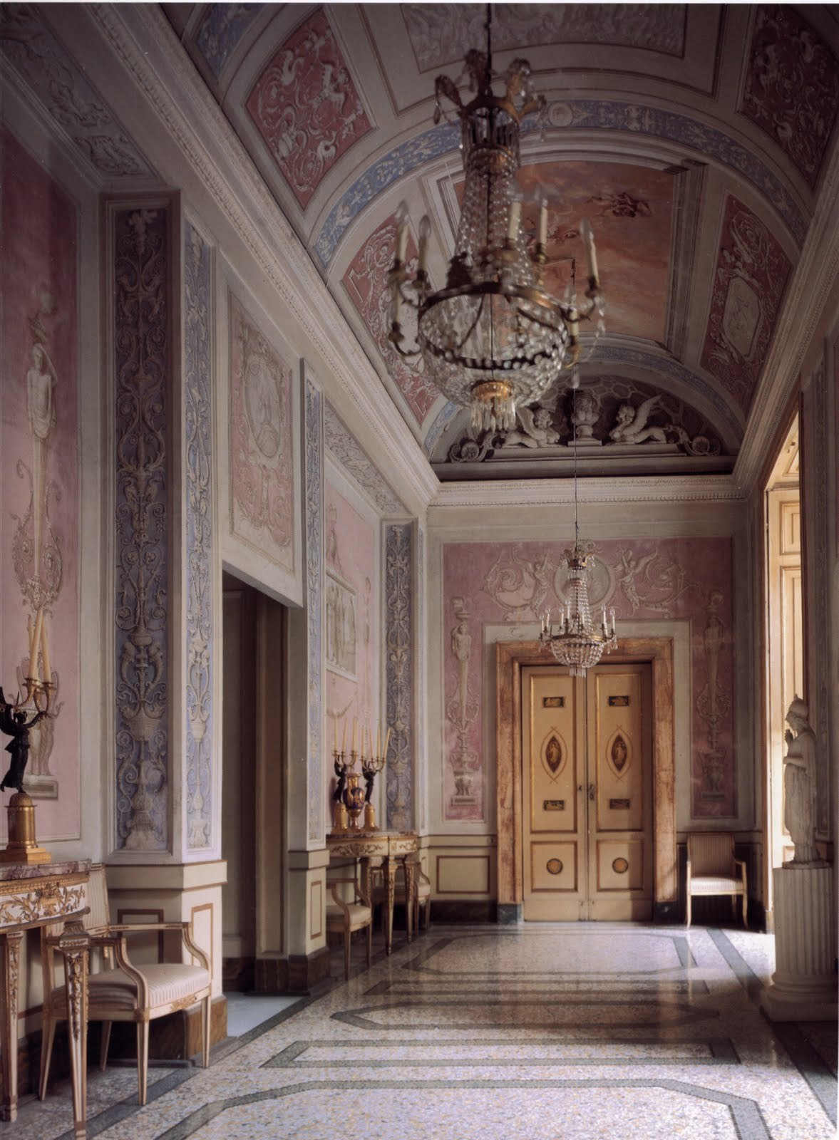 a-l-ancien-regime:  Italian Interior via Surface Fragments