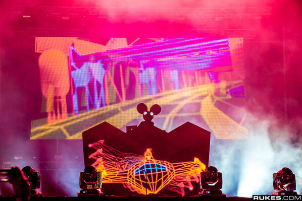Deadmau5 - This Saturday, @deadmau5's performance at #ULTRA15 will be streamed LIVE via @UMFTV!