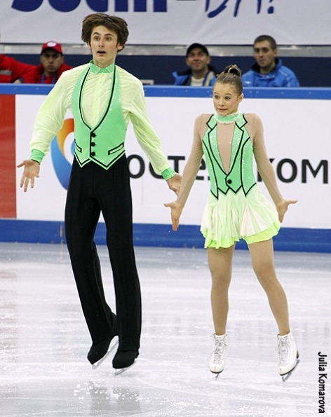 Daria Seminikhina and Jan Glazkov's ugly short dance costumes at the 2013 Russian National Championships.