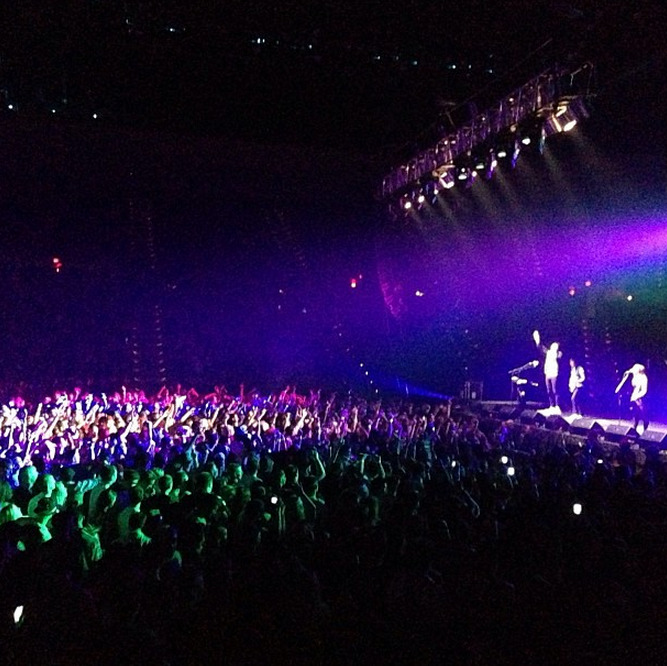 cobrastarship:  First show of 2013 was sick. Thank you UMass! (photo by @vanbrogh)