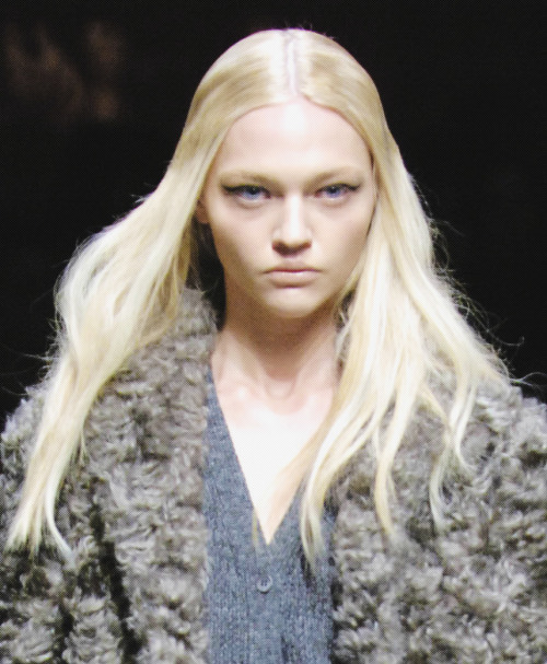 Sasha Pivovarova at Prada Fall 2007