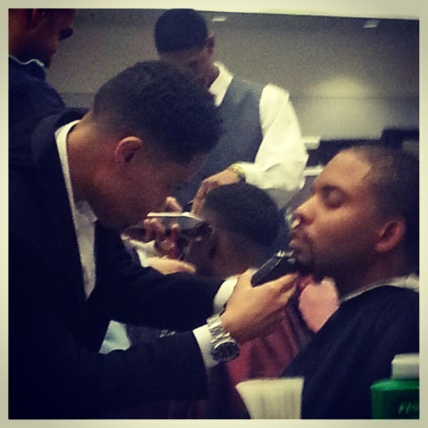 Cutting at the #SIBE Show in LA #barber #hairshow #labarber #barberbattle #mbarbering #femalebarber #nami #namithebarber #only1nami