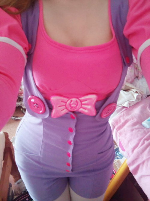 queenunicornbaby:  My new pink Cyberdog cutsew goes perfectly with my playsuit :3  Chi Chi loves this adorable combo!!