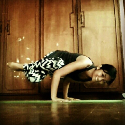 pauladhy:  Day 08: Side crow with twisted root #balanceARMy My arm balances are better today than yesterday. My core is working well after eating breakfast! Hehe! Lesson learned: do not practice when hungry. And if youre working on a pose and it is not happening, let it go and still be thankful. Try again tomorrow. ♥ #yoga  What a fun variation with the crossed legs!