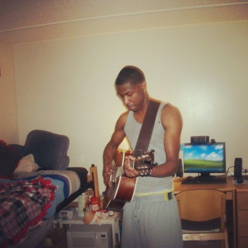 #ThrowBack #TeamWsu #Atchinson #2010  #Music #Guitar   I was focused that night