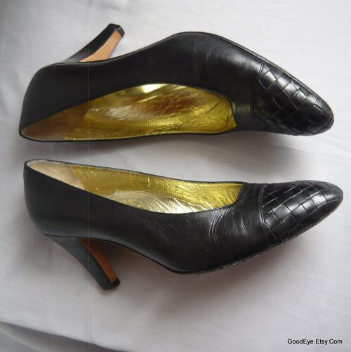 80s vintage Bottega Veneta leather pumps..sz 9 AA - narrow width @ www.GoodEye.Etsy.Com