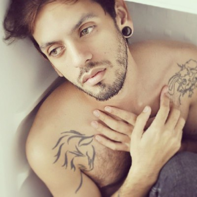 #faviodiaz #tattoo #plugs #tatuaje