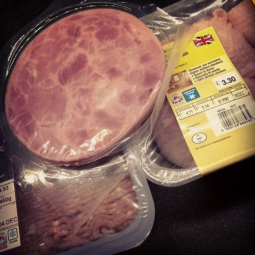 There a ridiculous selection of meats in my fridge at the moment trying load up on protein #turkey #chicken #gammon #meat #protein