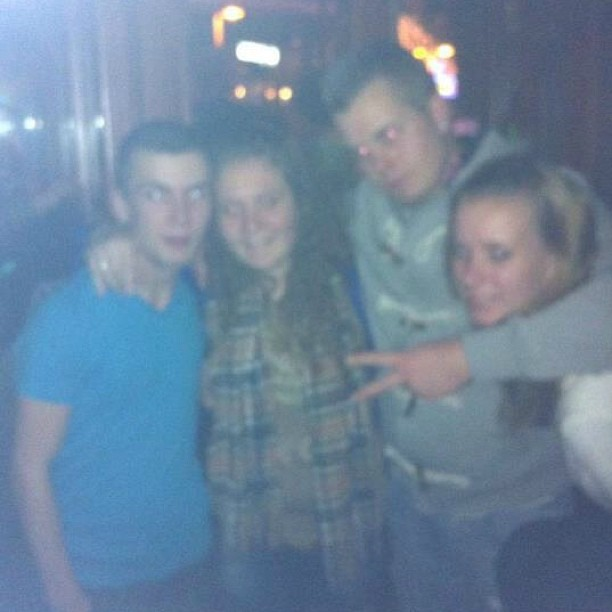 lekker wazig! #with #dyl #sigourney #mike #and #me #stappen #party #zaandam #instagood #instaparty #instamood #saturday #night