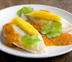findvegan:  Spinach Pierogi with Spicy Mango Sauce
