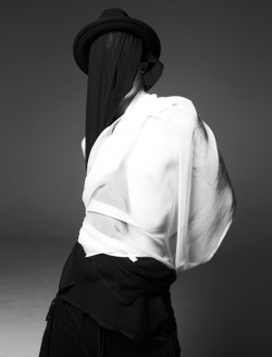 skt4ng:  5CM FALL 2010  Photographer- David Roemer Stylist- Way Perry Model- Ash Stymest