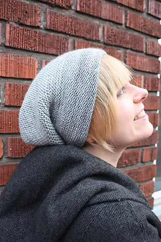 (via Ravelry: Rikke Hat pattern by Sarah Young)