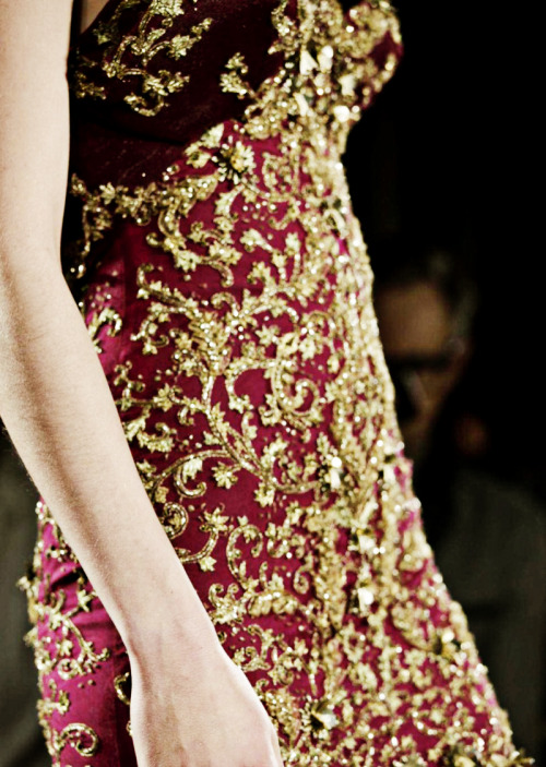 fuckyeahfashioncouture:  Marchesa Fall-Winter 2013