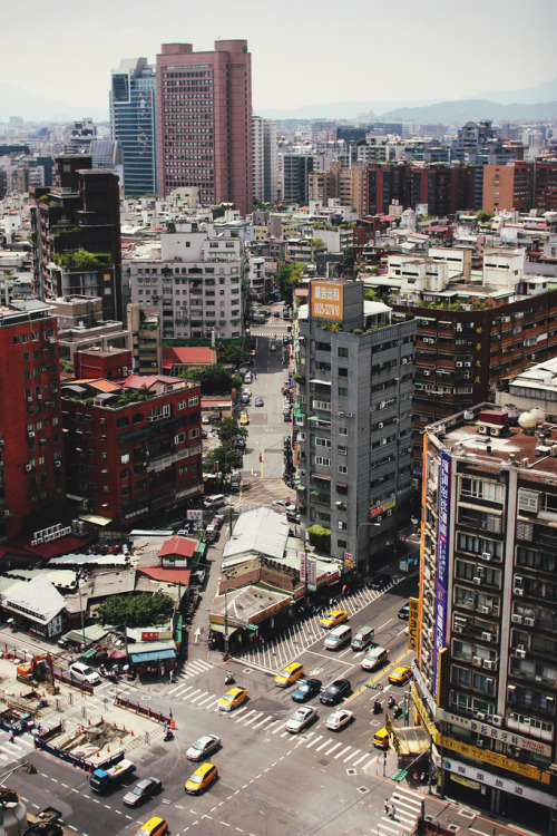ethereo:  taipei from my hotel room (by natalie ϟ)