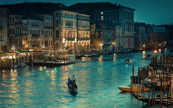 another-shooting-star:  Venice, Italy